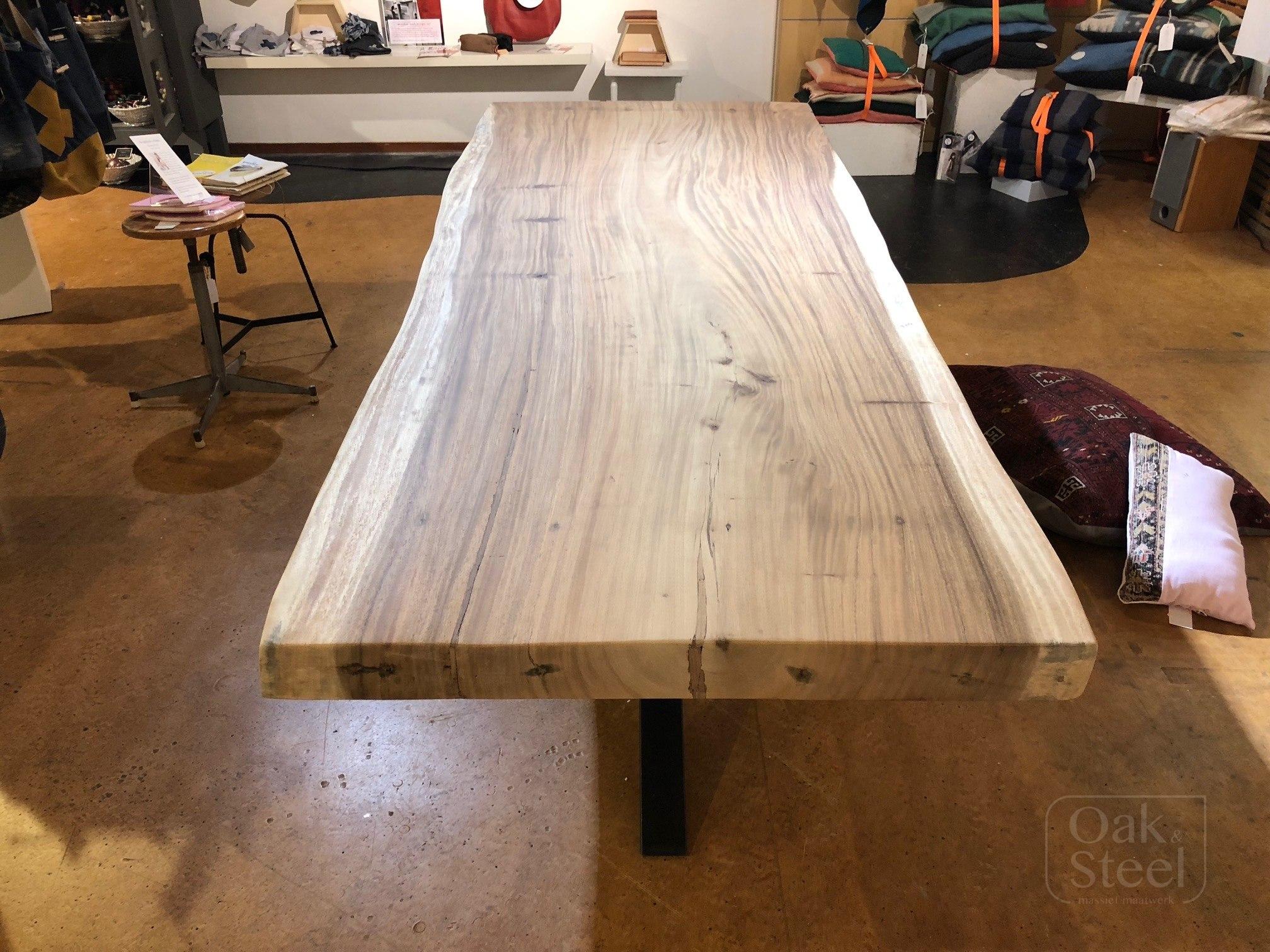 Suar Wood Tafels : Suar boomstamtafel oak steel