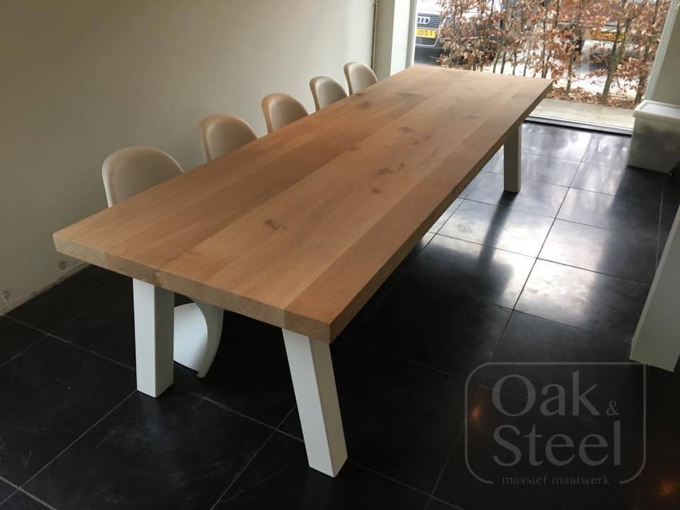 Eikenhouten tafel, massief