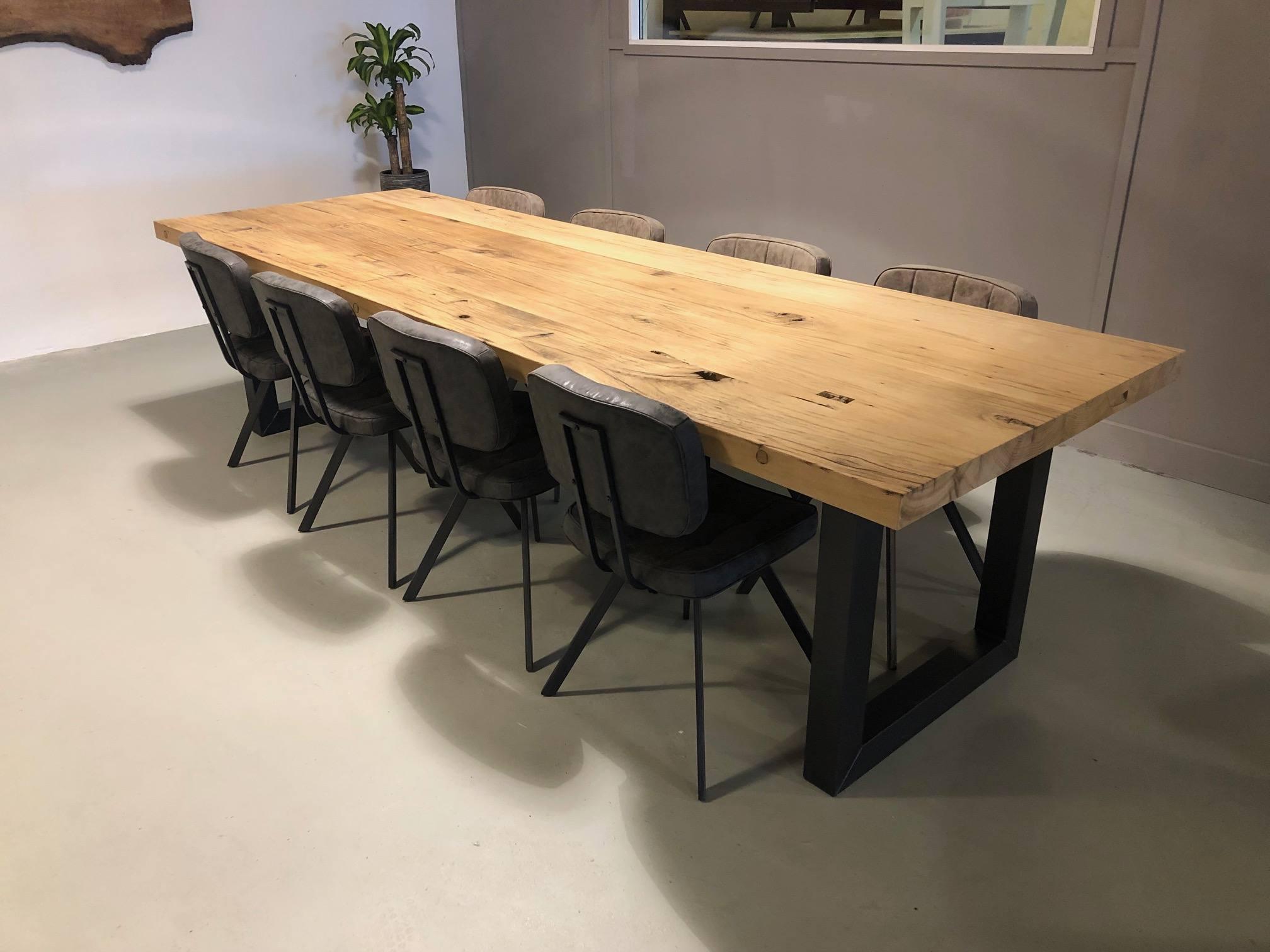 Oud eiken tafel van 3 meter