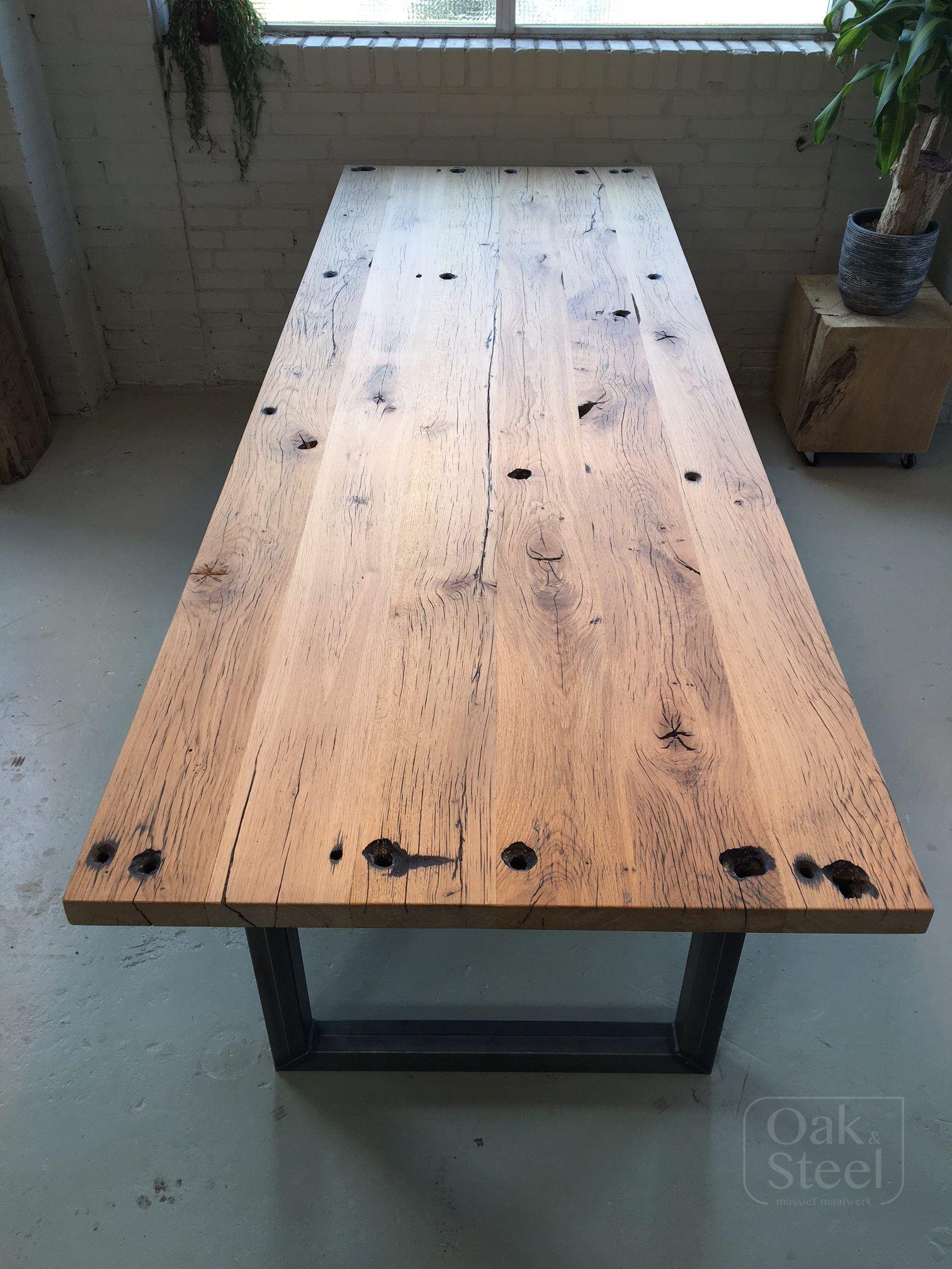 Industriële tafel van eiken wagonplanken