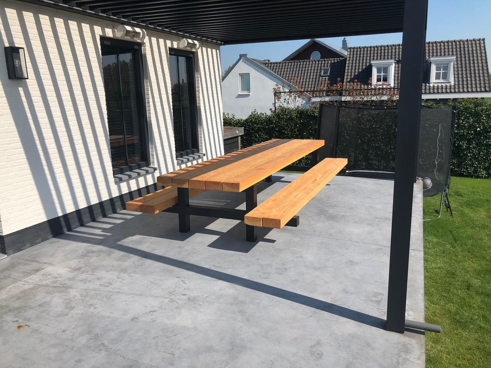 Buitentafel Picknicktafel van 4 meter