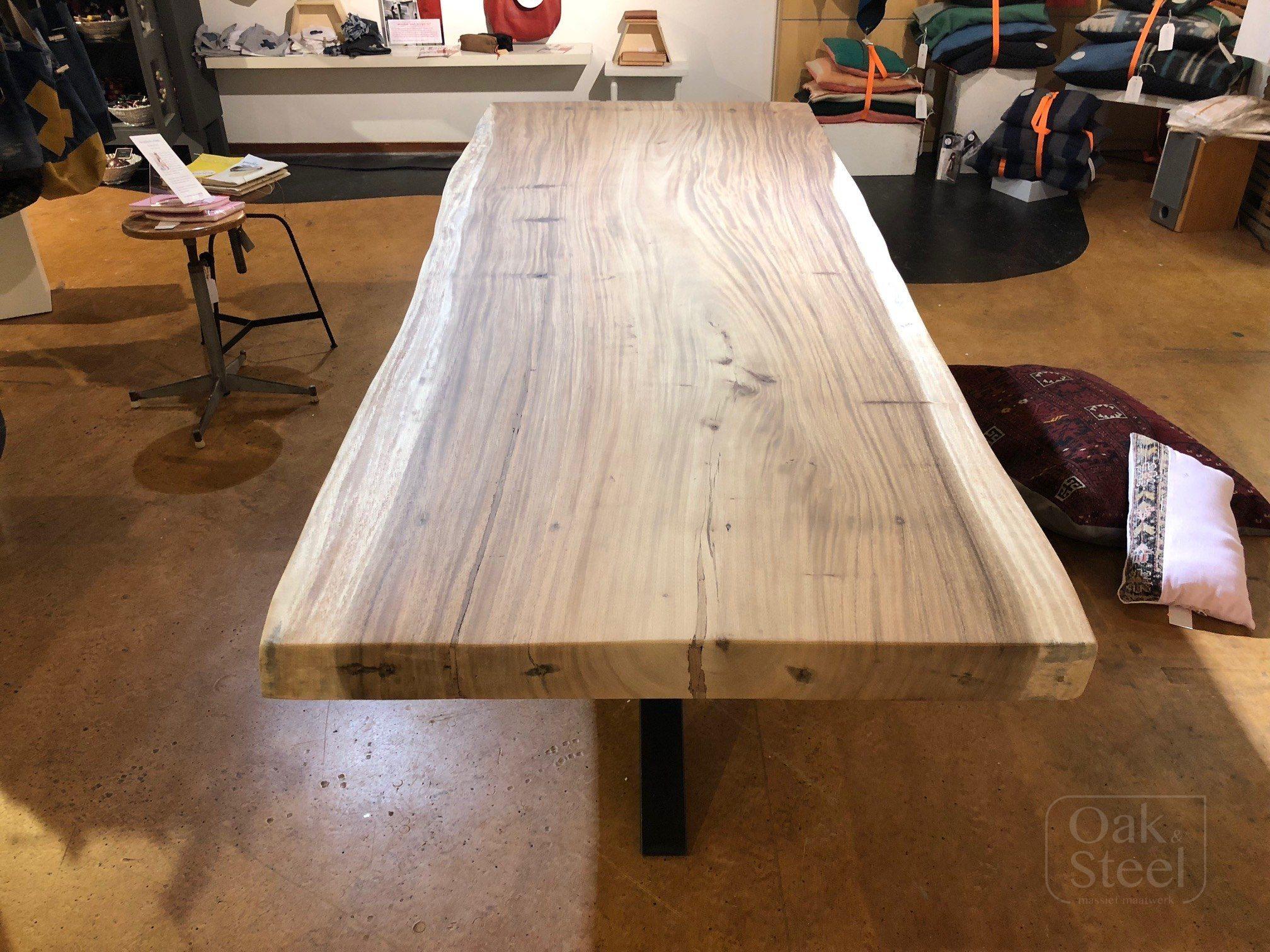Boomstamtafel van tropisch Suar hout