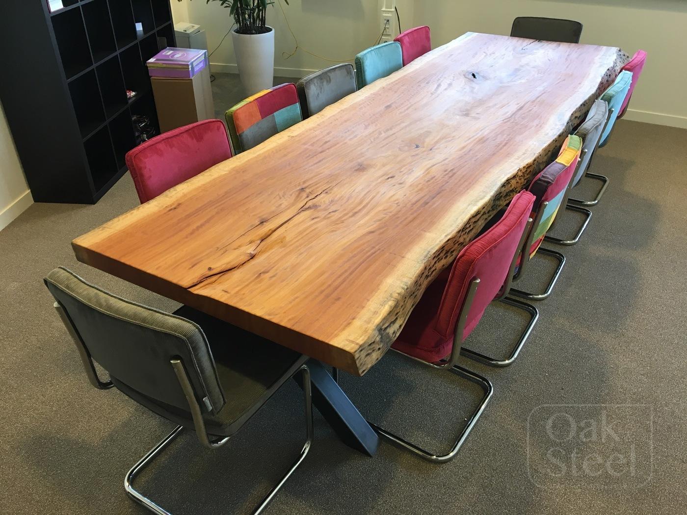 Boomstam vergadertafel van tropisch hardhout